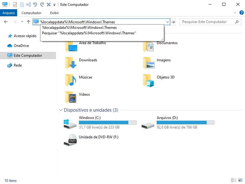 Excluir temas no Windows 10 usando o Gerenciador de Arquivos.